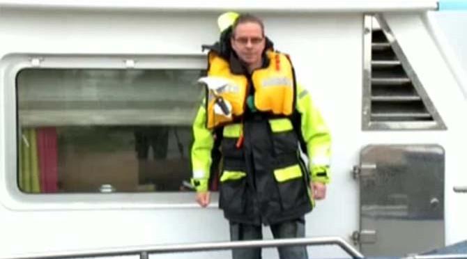 AIS en reddingsvest verplicht in binnenvaart
