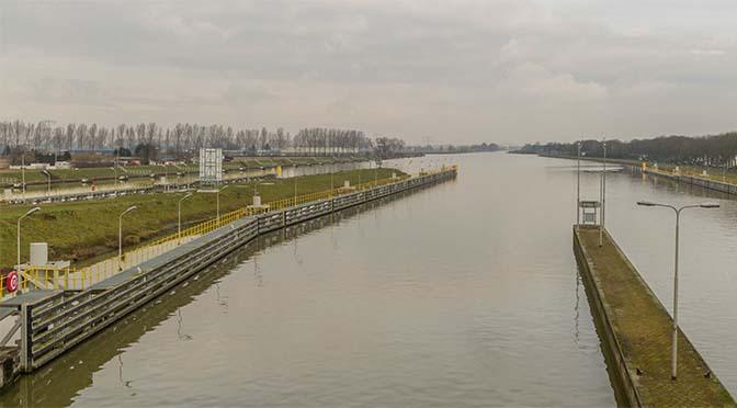 Klasse Vb schepen pas in 2023 over ruimere Maasroute