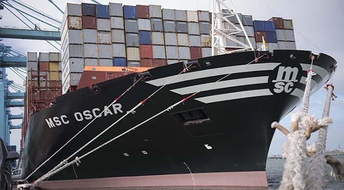 Containers stuwen overslag Rotterdam naar nieuw record