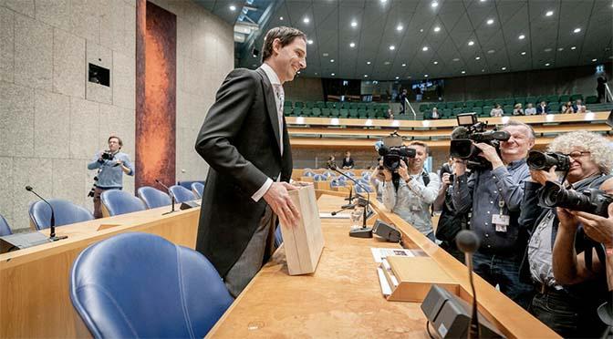 Kabinet steekt tien miljoen in Maas-Waalkanaal