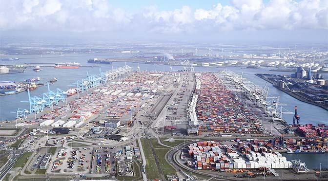 Overslag haven Rotterdam daalt met bijna negen procent